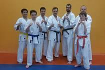 Účastníci tréninku shinkyokushinkai karate  ve Františkových Lázních: Doan, Nerad, Čadek, Csekés, Vališ, Hroch (vzadu), Trpák.