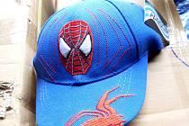 Komiksová postavička Spiderman a kreslený film Auta se pravděpodobny stala cílem padělatelů.
