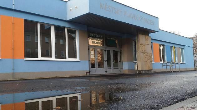 Nyní se budova chebského bazénu nachází v ulici Obětí Nacismu.