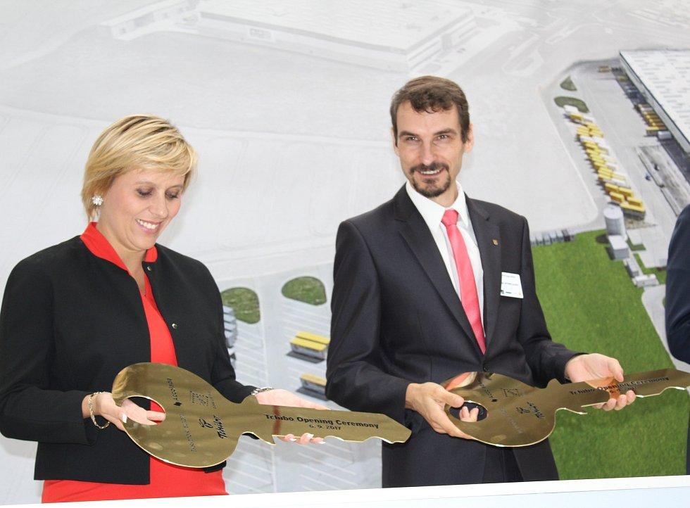 Novou distribuční halu otevřel v Chebu jeden z nejvýznamnějších světových producentů kávy a lídr českého online prodeje v kategorii oblečení Tchibo.