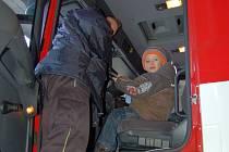 Den požární bezpečnosti na chebské hasičské stanici