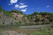 Krásný vrch, pohled na bývalý čedičový lom.