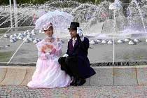 Na tradičním zahájení letní lázeňské sezóny v Mariánských Lázních nechyběly ani historické osobnosti. Například Maria Wodzinska a Fryderic Chopin