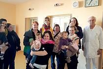 SBÍRKA PRO NEDONOŠENCE. Maminky zorganizovaly sbírku věcí už před rokem. V letošním roce se rozhodly uspořádat druhý ročník.