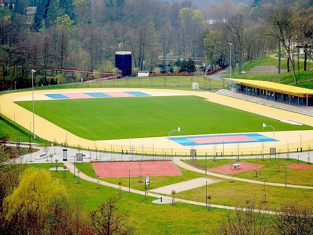 Akvapark by měl vyrůst u současného sportoviště na levém břehu řeky Ohře.