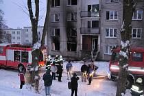 Oheň v Plesné zničil dva byty kompletně a dva částečně.