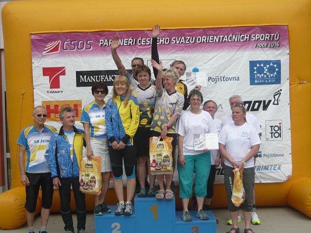 Mariánskolázeňští orientační běžci na nejvyšším stupínku. Stříbro bral Zlín a bronz Prostějov.