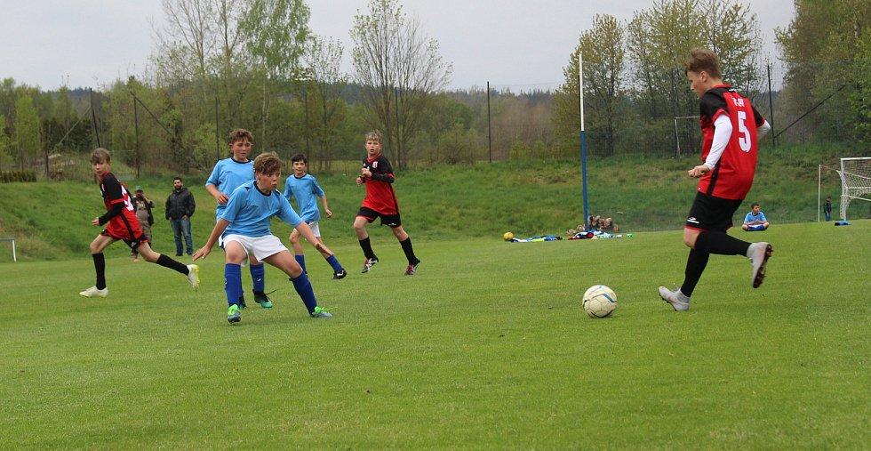 V dalším kole Okresního přeboru mladších žáků se mezi sebou utkaly celky Dolního Žandova a Chodova. Chodov si nakonec z Dolního Žandova odváží tři body. Nad Žandovem vyhrál 2:4.