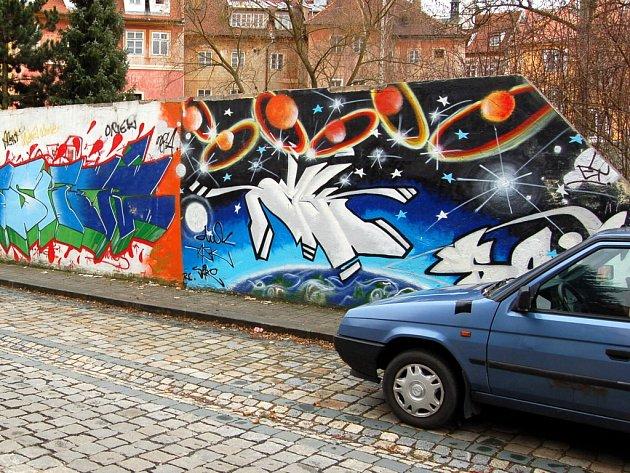 Graffiti v chebské Křižovnické ulici