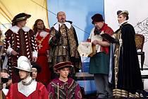 Valdštejnské slavnosti v Chebu přilákají každoročně stovky diváků.