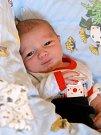GYZÖ VARADI se narodil v úterý 19. března v 11.15 hodin. Při narození vážil 3 250 gramů. Doma v Aši se z malého chlapečka radují bráškové Damian s Patrikem, maminka Klaudia a tatínek Alfred.