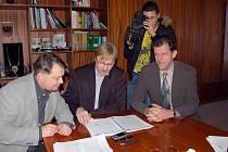 Miroslav Plevný (vpravo) je děkanem fakulty.