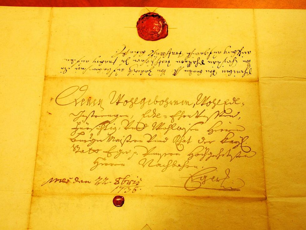 Zlodějům nešlo o obsah dokumentů, ale o neporušené pečetě a podpisy.