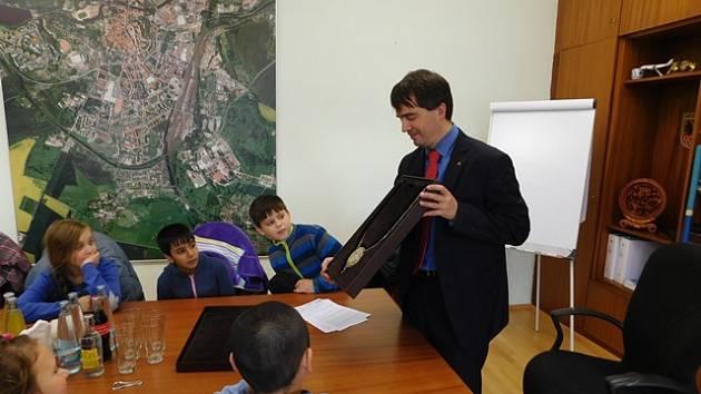 ŽÁCI ze 6. základní školy v Chebu navštívili chebskou radnici.