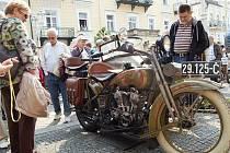 Opět se blíží velkolepá akce Mezinárodní soutěž elegance historických vozidel, již tradičně pořádá Veteran Car Club (VCC) Cheb a město Františkovy Lázně. Loni sem zavítaly stovky návštěvníků.