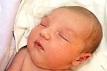 EMA CHARLOTA VRŠANOVÁ se narodila v sobotu 5. března ve 20 hodin. Při narození vážila 3970 gramů a měřila 53 centimetrů. Doma v Chebu se z malé Emičky raduje maminka Nikola spolu s tatínkem Zdeňkem.