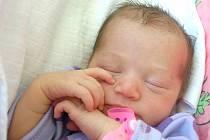 REBECCA KESLEROVÁ se poprvé rozkřičela v chebské porodnici v pátek 5. srpna ve 4.15 hodin. Na svět přišla s váhou 2820 gramů a mírou 47 centimetrů. Maminka Lucie a tatínek Roman se těší z malé dcerušky doma v Plané u Mariánských Lázní.
