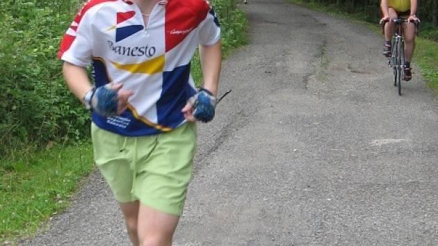 Nejmladším účastníkem triatlonu Železný dědek byl v loňském roce patnáctiletý Michal Pich z Mariánských Lázní.