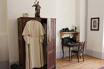 CELA ŘEHOLNÍKA. Návštěvníci kláštera v Teplé si mohou nově prohlédnout pokojíček, v němž řeholníci žili.