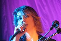 Zpěvačka Aneta Langerová zamířila do chebského Produkčního centra Kamenná v rámci svého koncertního turné s názvem Aneta Langerová Tour 2010. Chebské publikum zpěvačce hlasitě tleskalo