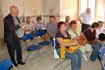 Na hradě v Libé se uskutečnil seminář o zlepšení nakládání s památkami v chebském regionu.