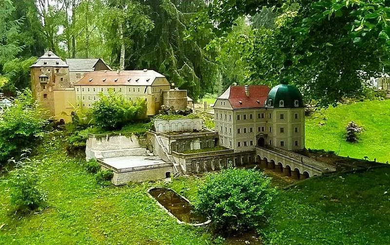 Z parku miniatur. Foto: Hana Rajdlová