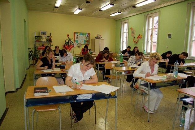 Písemné maturitní zkoušky na chebské Střední zdravotnické škole