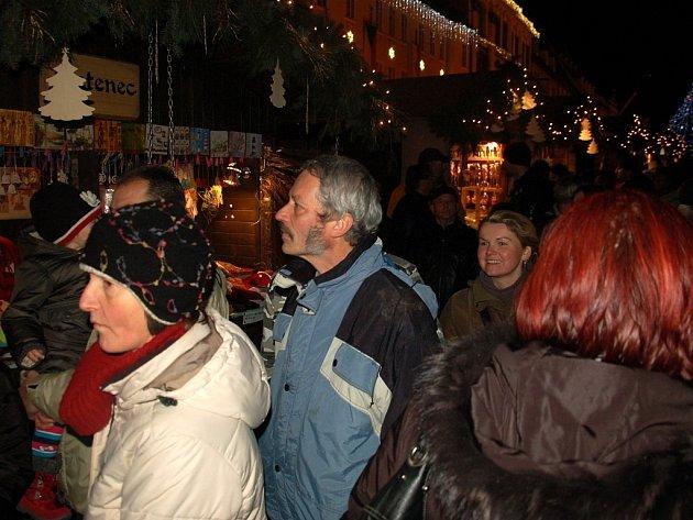 Vánoční trhy ná chebském náměstí Krále Jiřího 2013.