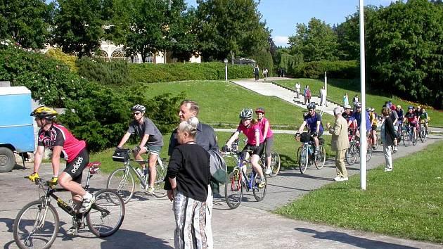 Stále více cyklistů se objevuje v mariánskolázeňských parcích