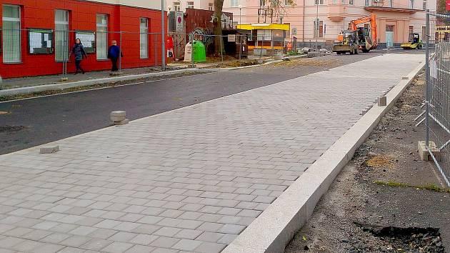 Rekonstrukce ulice Obrněné brigády v Chebu jde do finále.