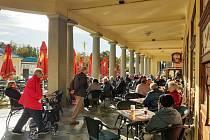 Podzim ve Františkových Lázních láká velkou řadu turistů. Největší klientelu zastupují němečtí návštěvníci, velkou oblibu má město i u tuzemských hostů.