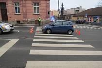 Řidička přehlédla chodce.
