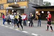 Celkem 895 kilometrů během 10 dnů uběhne ultramaratonec Miloš Škorpil.