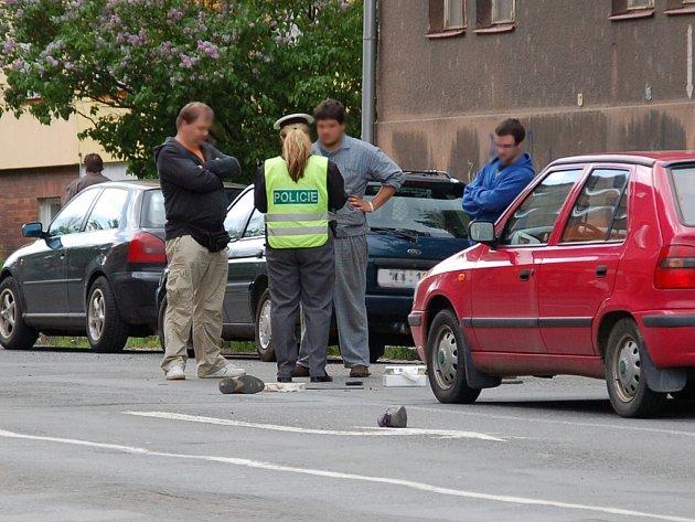 Dopravní nehoda chodce a osobního automobilu u křižovatky Evropské a Valdštejnovo ulice v Chebu