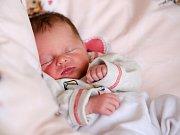 KRISTÝNA DRAHÁ si poprvé prohlédla svět v neděli 27. března v 19.45 hodin. Při narození vážila 2 560 gramů a měřila 47 centimetrů. Z malé Kristýnky se těší doma v Chebu bráška Matyášek spolu s maminkou Michaelou a celou rodinou.