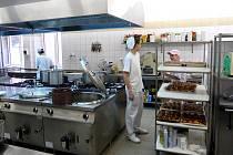 Oblékat se a jíst bude člověk vždycky, takže kuchaři se v životě jistě neztratí, pokud  ale ovládají své voňavé řemeslo výjimečně, mohou mít před sebou úžasnou kariéru.