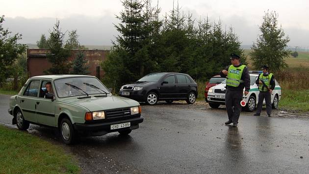 Policisté kontrolovali vozidla na všech silnicích v okrese