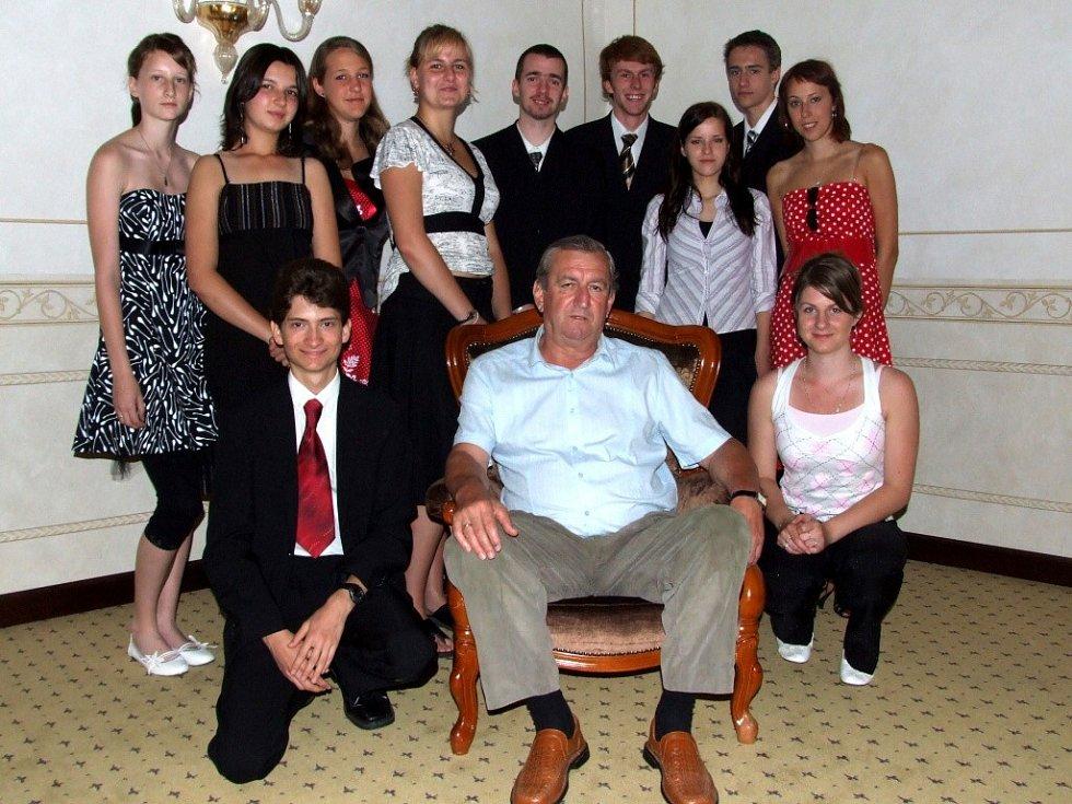 Fotbalista Ladislav Kuna a studenti