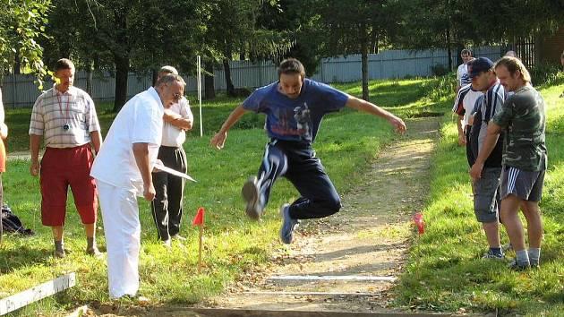 I handicapovaní lidé sportují.