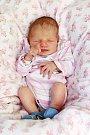 LAURA ŠEDIVÁ se poprvé rozkřičela v úterý 15. března v 9.45 hodin. Při narození vážila 2 800 gramů a měřila 48 centimetrů. Maminka Sára a tatínek Marek se těší z malé Laurinky doma v Chebu.