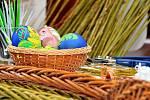 Ještě v sobotu v Aši pletli pomlázky na pondělní velikonoční koledu.