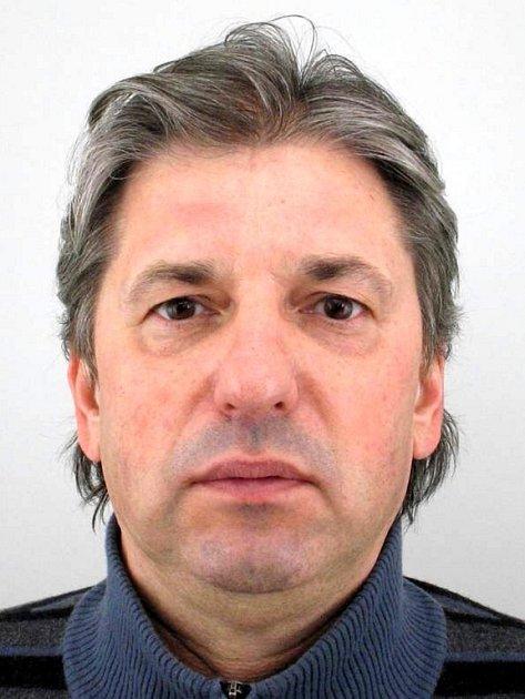 Podezřelý muž, po kterém pátrá sokolovská policie kvůli tragické dorpavní nehodě