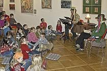 Pro malé i velké milovníky pohádkových příběhů připravila Galerie výtvarného umění (GAVU) v Chebu pokračování Adventního pohádkového čtení (už šestý ročník).