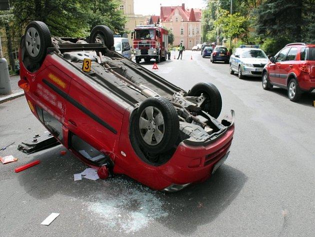 Dopravní nehoda se stala v úterý před poledne v  Mariánských Lázních.