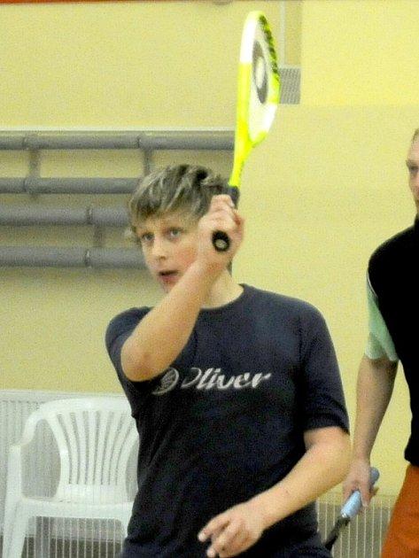 ŠTĚPÁN DAVID  se  podílel na výrazném vítězství chebských squashistů v Plzni.
