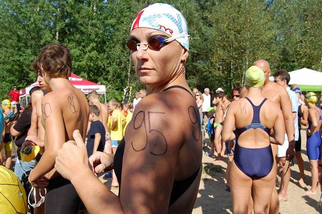 Eva Vaňátková z SK Trinity Cheb přivezla z mezinárodního zimního mistrovství České republiky v dálkovém plavání dvě medaile.