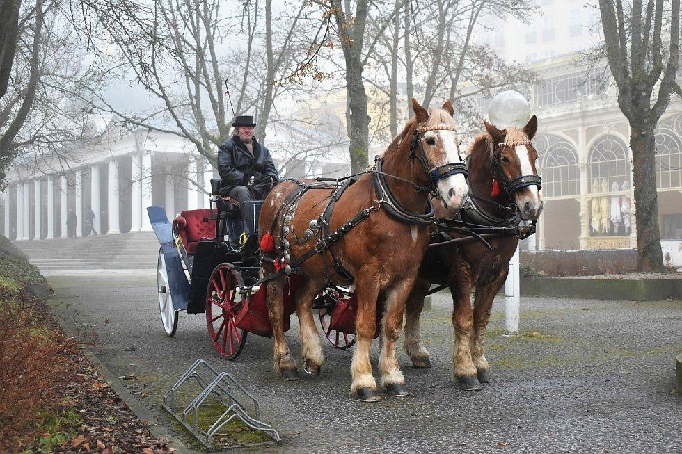 Kočárová přeprava v Mariánských Lázních.