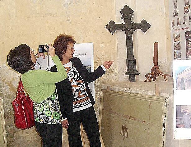 Nadšenci z Chebska z Občanského sdružení Martinus usilující o záchranu kostela svatého Martina v Křivcích na Tachovsku pořádají už 6. Martinské setkání v Křivcích.