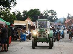 Sraz traktorů ve Skalné.