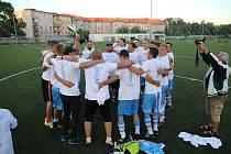 Vítěz krajského přeboru mužů 2018/2019. Fotbalisté chebské Hvězdy zaslouženě vyhráli krajský přebor.